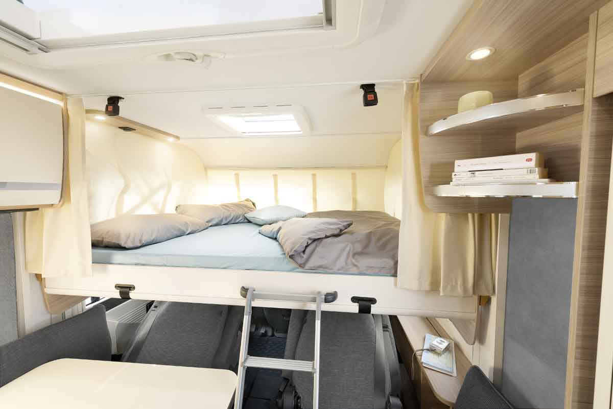 The pull-down bed in the A Class models has a sleeping area of up to 150 cm in width
